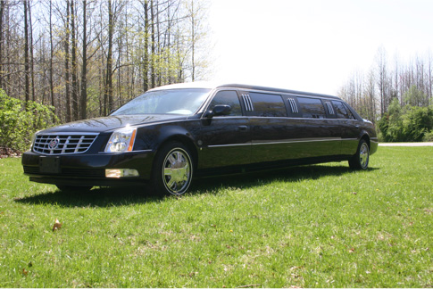 8 Passenger Super Stretch Limo